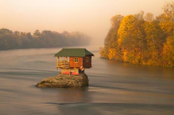 Великолепные дома для любителей уединения