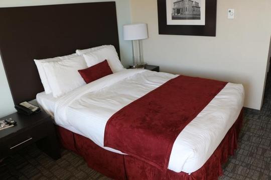 Постоялец отеля нашел в кровати записку, после которой тут же отказался от номера.