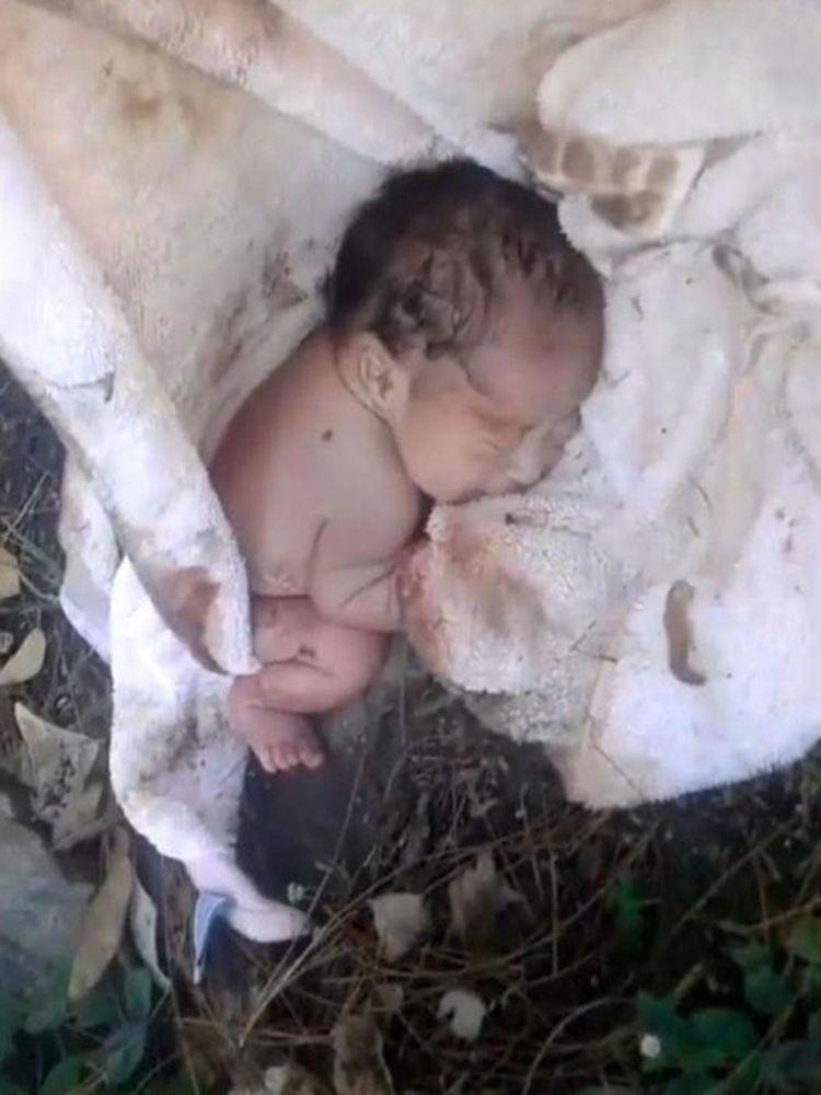 Бесконечно трогательная история спасения малыша