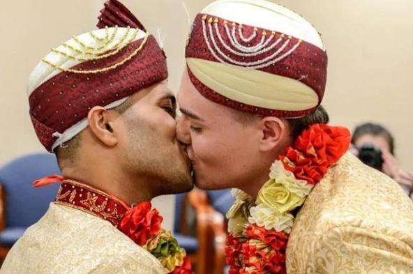 Впервые в истории Великобритании мусульманская гей пара сыграла свадьбу