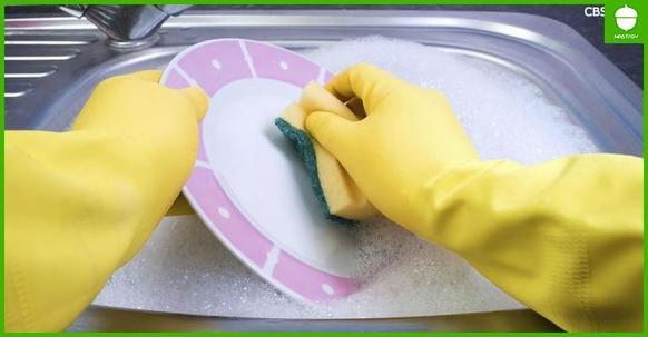 Есть 1 важная причина, почему нельзя мыть посуду в гостях