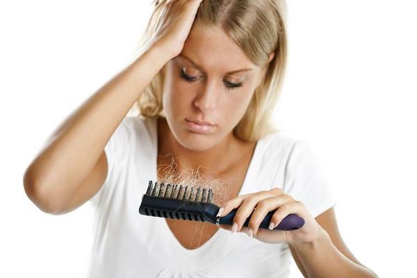 Действенный способ борьбы с выпадением волос в домашних условиях!