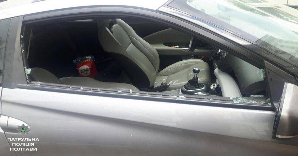 Равнодушная мама оставила 3 летнюю малышку в машине при +33С. И если бы не этот парень…