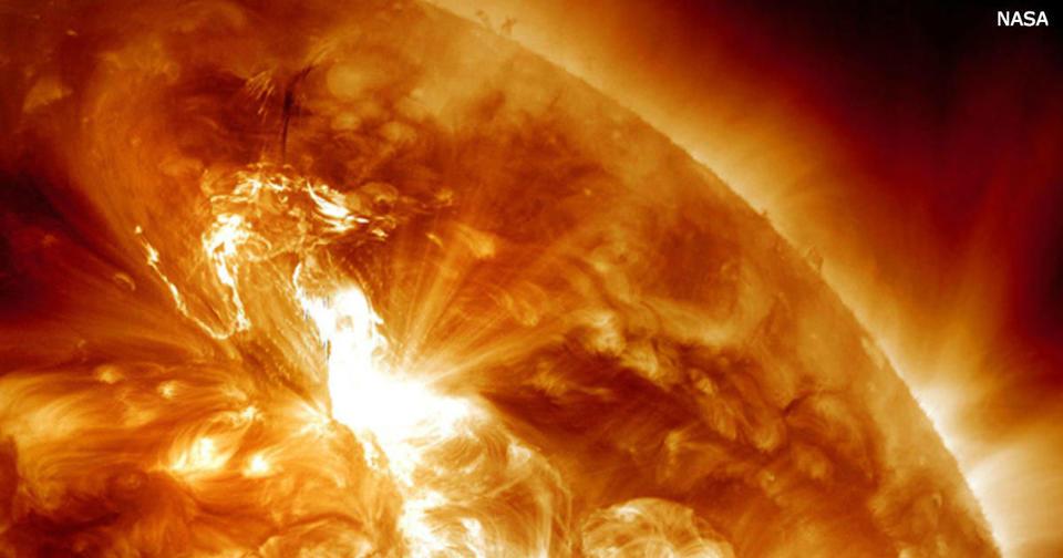 На Солнце была колоссальная вспышка! Вот как она повлияет на вас