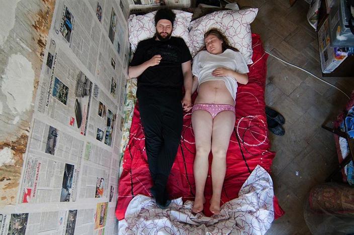 интимные фото одной семьи показывают свои