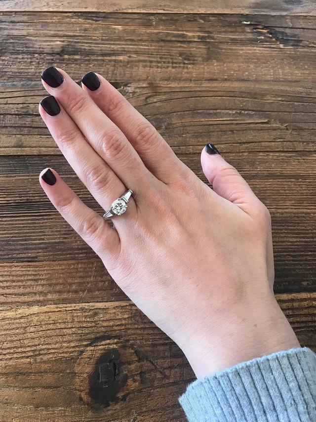 Парень потерял кольцо, которое точно не стоило терять, и уже приготовился поплатиться за это, как его спасла счастливая случайность