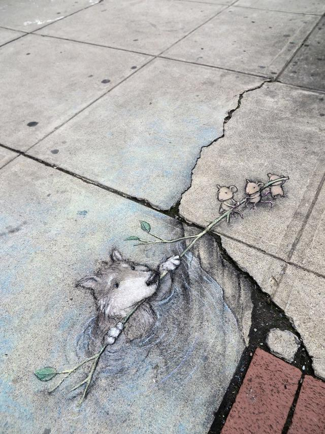 20 примеров стрит-арта, которые настолько реалистичны, что вам придётся посмотреть на них дважды, чтобы понять: это всего лишь рисунок