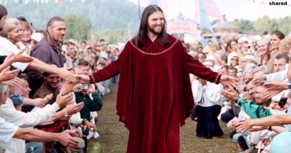 Мужик из России говорит, что он – Иисус! И у него уже 5000 прихожан!