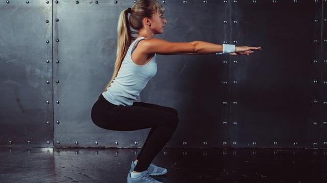 Новое тело за 4 недели и 10 минут в день: видеогид от гуру фитнеса