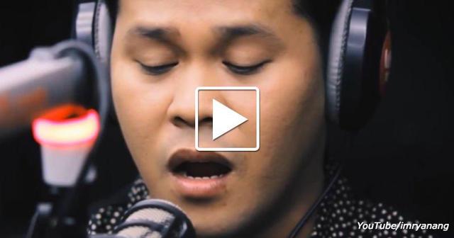 Никому не известный парень начал петь легендарную песню… Через 90 секунд все замерли!