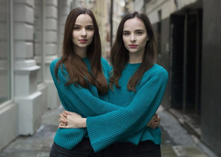 Фотограф делает мощные портреты близнецов, на которых очевидно, что каждый из них — отдельная личность