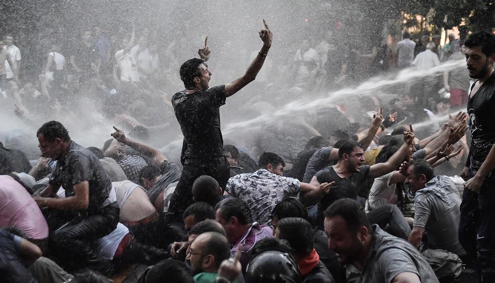 В Армении свершилась революция! Без единой капли крови… Хватило мудрости...