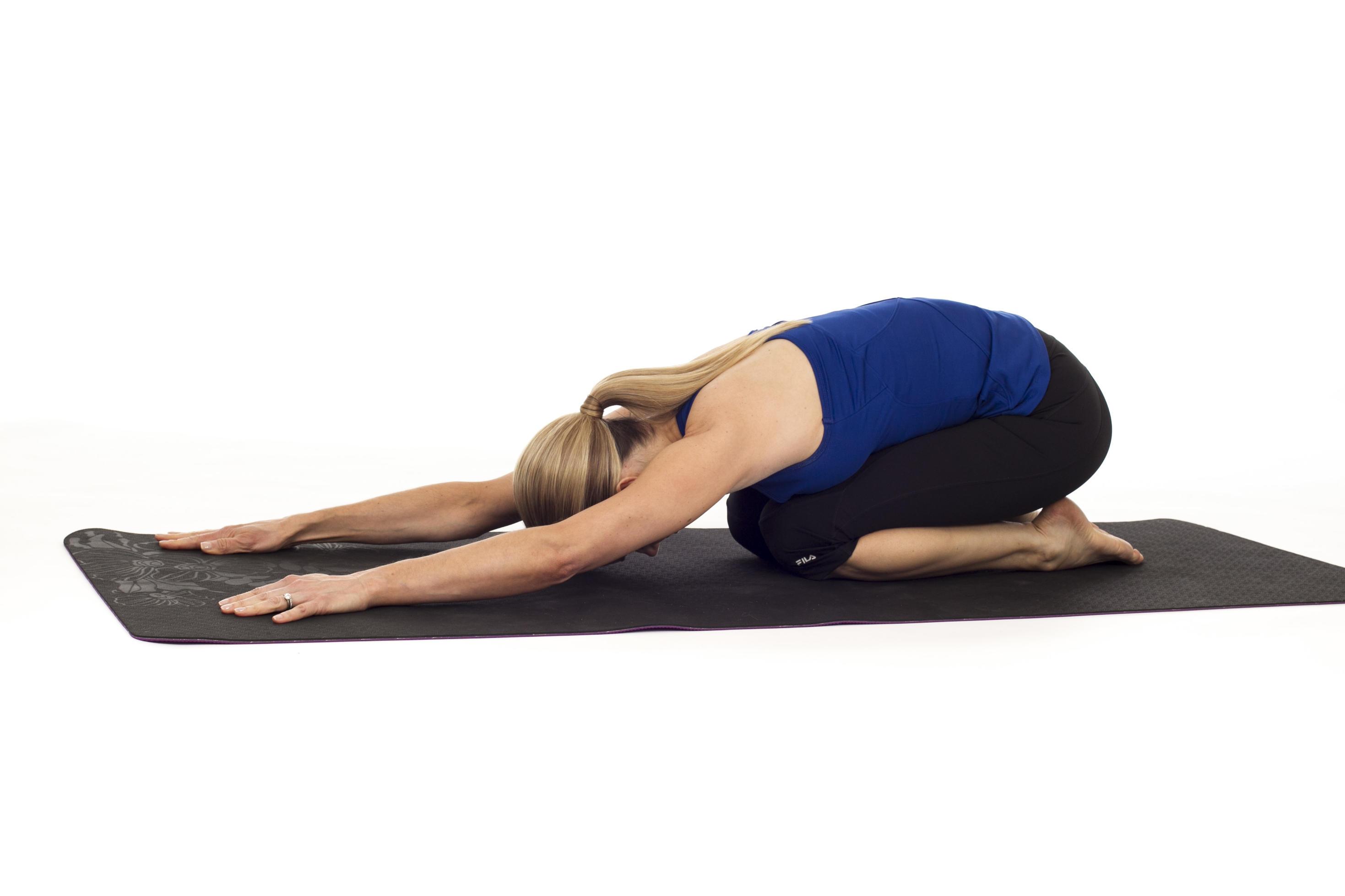 5 упражнений на растяжку, которые снимут боль в пояснице за 10 минут Делайте каждый вечер.