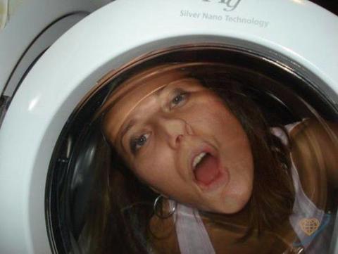 Вот 40 самых безумных фото с русских сайтов знакомств. Что вообще у людей в голове?! А ведь она просто хотела познакомиться...