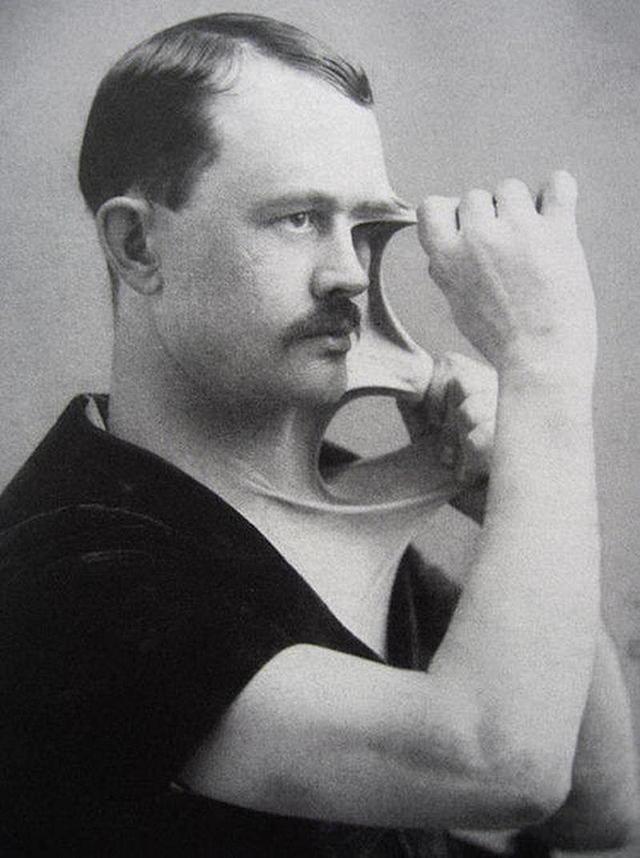 37 редких исторических фото, которые вы никогда не видели из-за цензуры Сталин в детстве - это нечто.