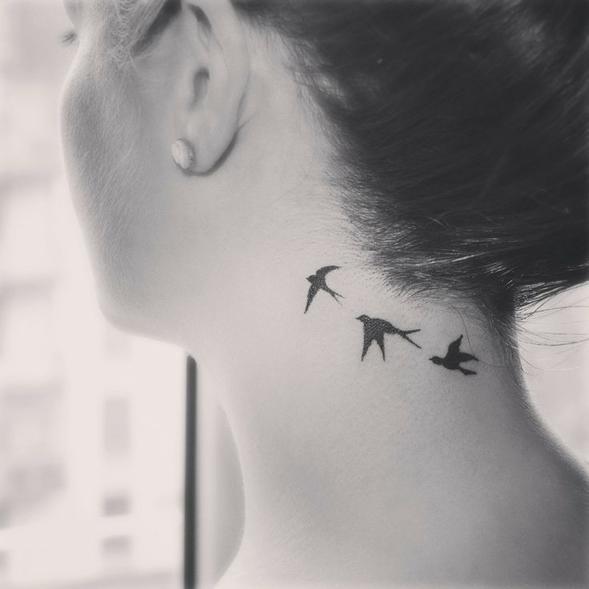 Редкие, но очень красивые татуировки для девушек