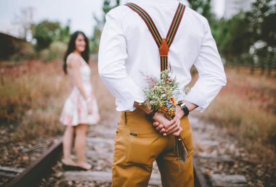 Три признака по знаку Зодиака, которые дадут понять,что мужчина влюблен