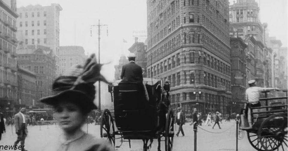 Кто-то спас старую пленку, чтобы вы могли ощущить себя в Нью-Йорке в 1911 году Уличная съемка 100-летней давности.