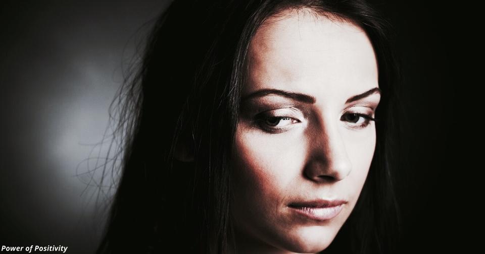 7 признаков, что взрослый человек перед вами   жертва семейного насилия в детстве Травма на всю жизнь.