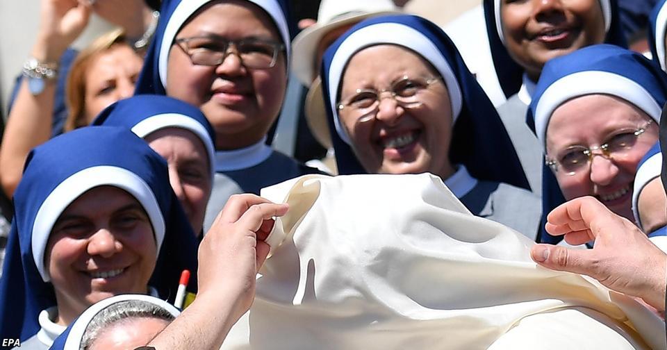 Ватикан разрешил «невестам Христа» больше не хранить девственность Католический мир в ужасе.