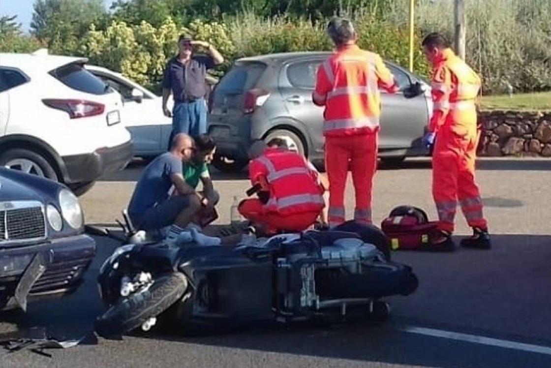 Джордж Клуни попал в аварию! Вот фото и подробности Он был на мотоцикле.