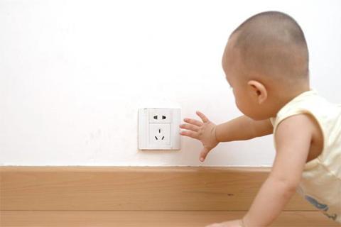 9 самых обычных в доме вещей, которые могут быть смертельно опасны для детей Уберите их подальше.