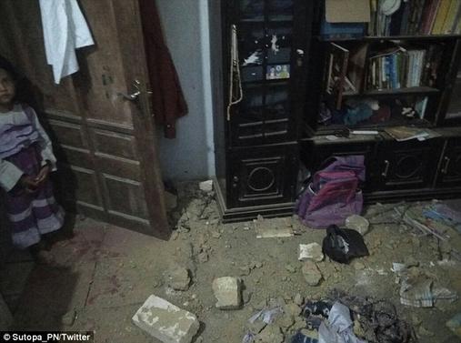 Туристы в панике: Бали и Гвинею трясут землетрясения, Австралия - следующая Там уже ждут цунами.
