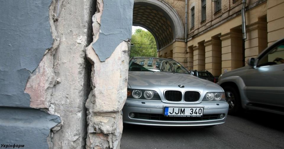 Верховный суд: Авто на евробляхах   абсолютно законны! Нерастаможенные машины разрешены.