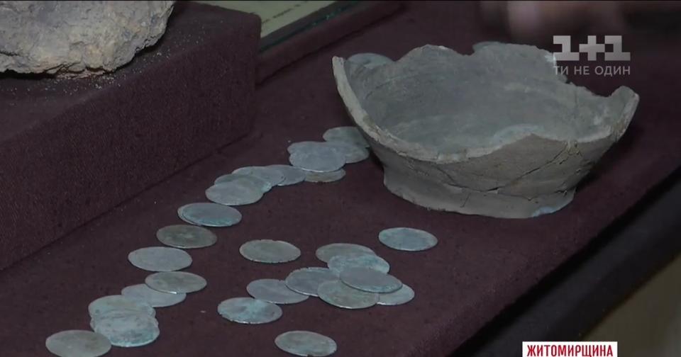 Пенсионеры нашли клад на своём огороде — но государство его заберёт и не даст ни копейки Музейная ценность.