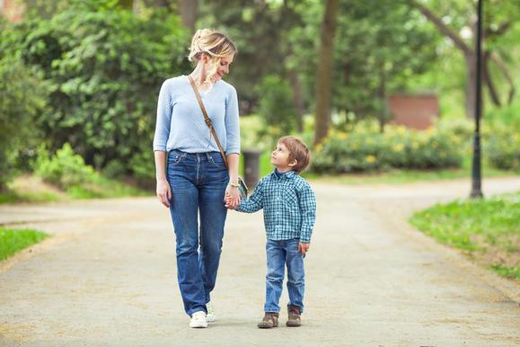 7 невероятных фактов о тонкой связи между мамой и её сыном Нет ничего прочнее!