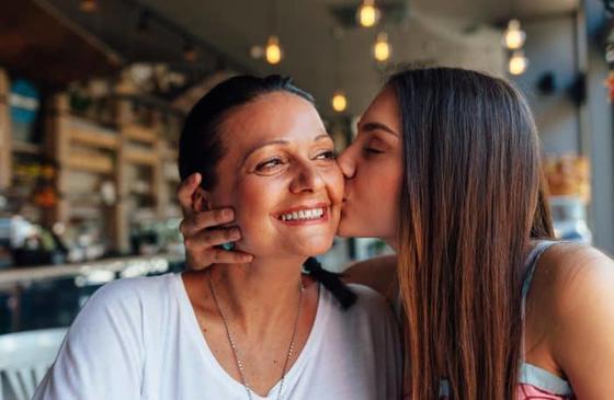 Чем больше времени вы проводите с мамой, тем дольше она проживет А вы уже звонили матери?