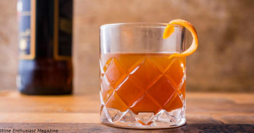 Зимой одна две стопки виски просто обязательны! Вот почему «Виски   жидкое солнце».   Джордж Бернард Шоу