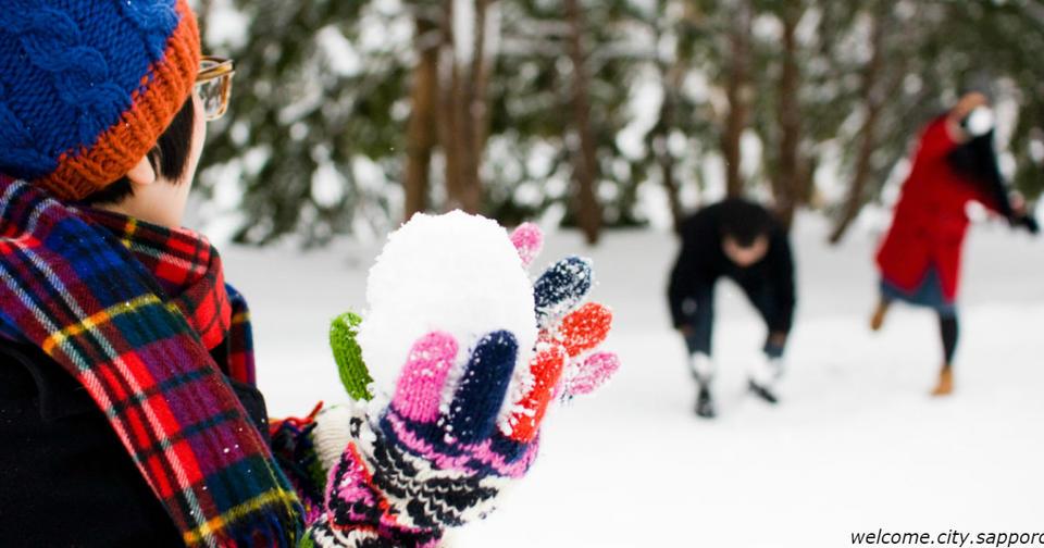 Дети должны гулять на улице больше. Даже в дождь и мороз! Только одевайте их как надо!