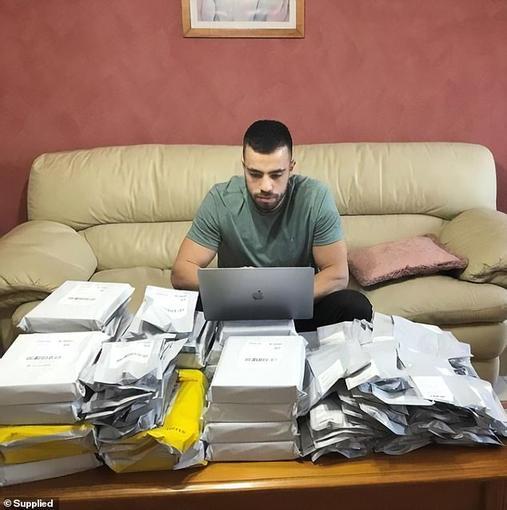 Знакомьтесь: 26-летний парень, у которого нет девушки, хоть он получает USD4000 в день