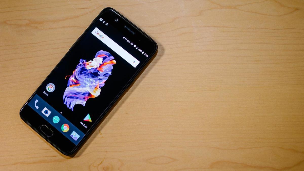 Вот 10 самых вредных для здоровья смартфонов. Почти все - китайцы
