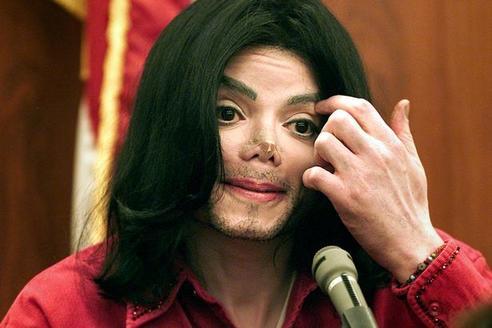 Майкл Джексон ″жив и планирует возвращение″, говорят его друзья