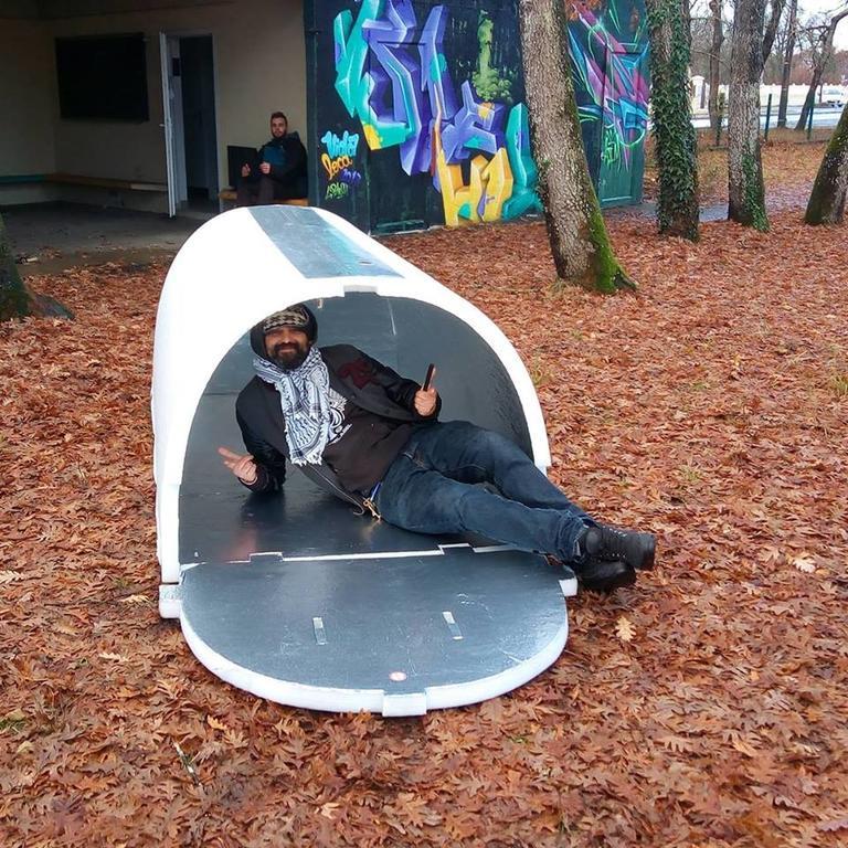 Французский инженер придумал, как защитить бездомных от морозов зимой