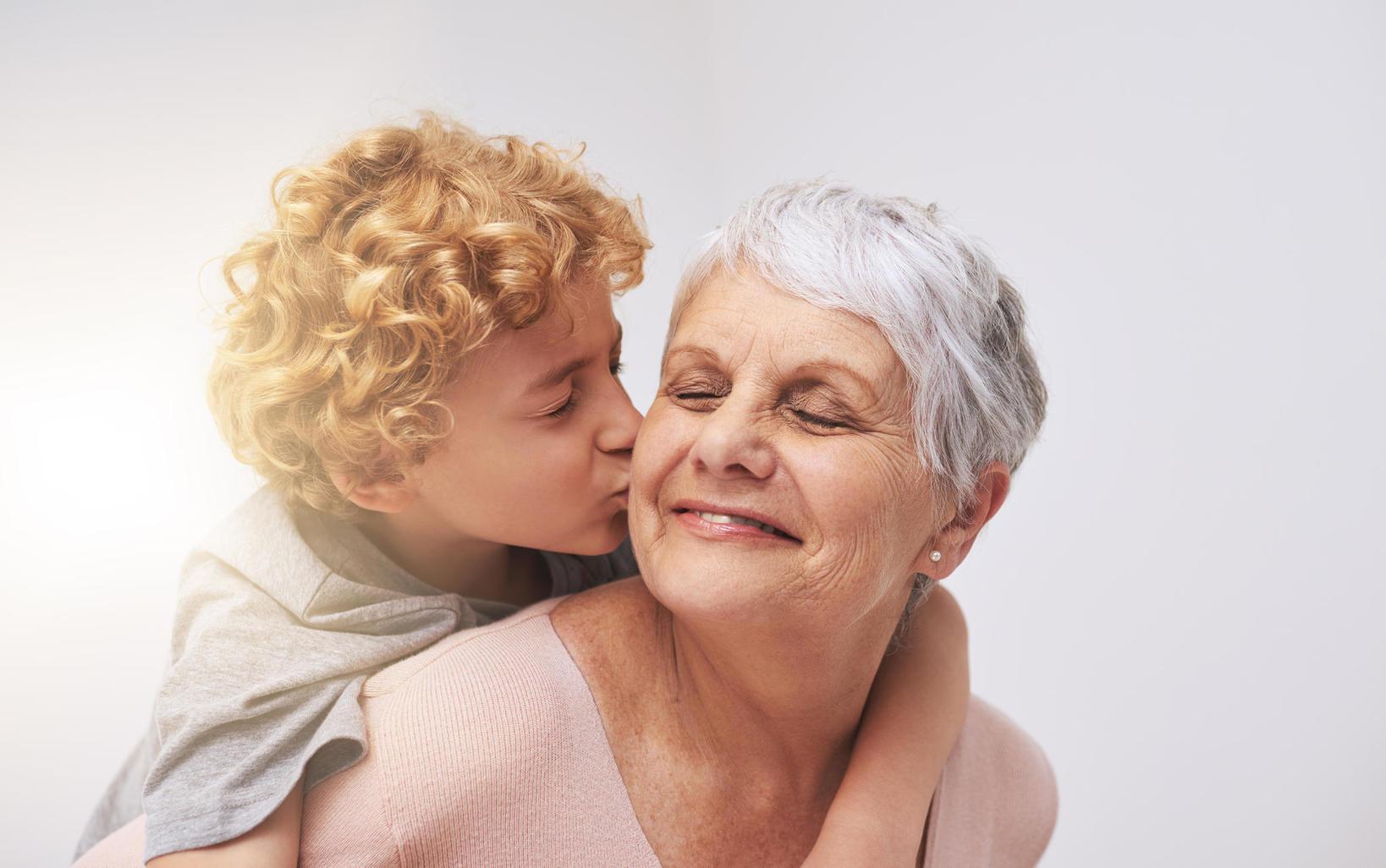 Картинки про внучку гренни, днем рождения