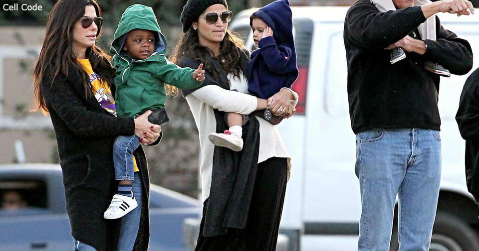Сандра Баллок: ″Перестаньте называть детей ″приемными″