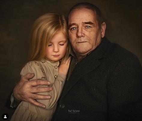 Я снимаю бабушку и дедушку с их внуками, потому что никто никогда не фоткал меня с моими