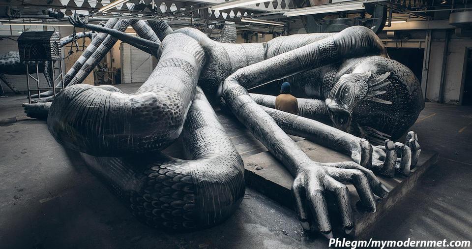 Уличный художник превратил заброшенную фабрику в мавзолей сказочных существ