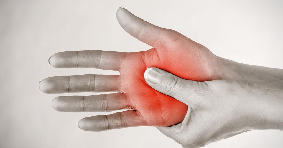 Почему немеют руки? 7 причин