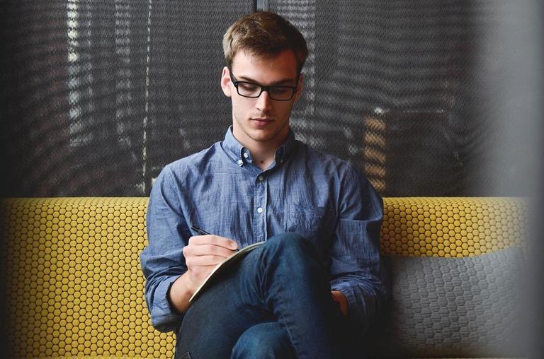 10 мгновенных способов успокоиться, если тянет сказать лишнее