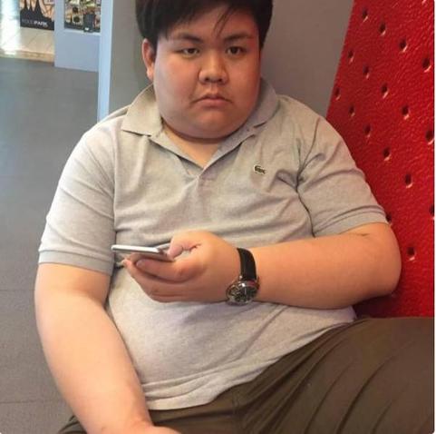 Мужчина похудел после того, как его отвергла любимая. Вот результат