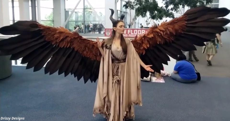 Девушка создала костюм с крыльями, которыми может двигать