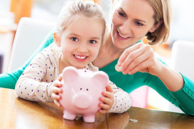 Я научила своего ребёнка обращаться с деньгами, используя всего 1 метод. Вот он