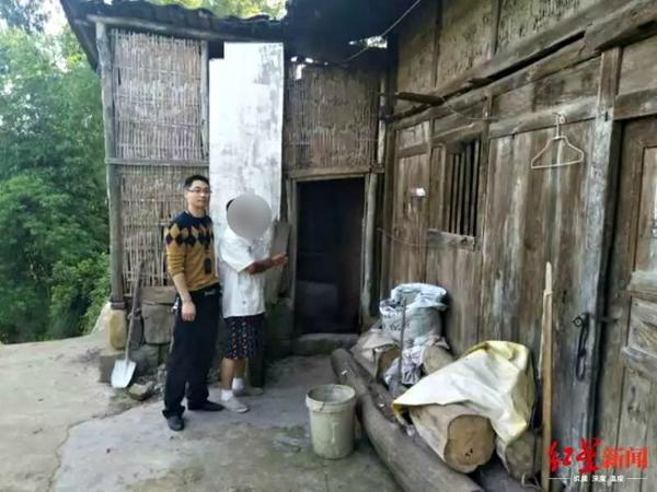 Фермер крал кур и уток, чтобы покупать бензин для своего BMW за USD290 тысяч