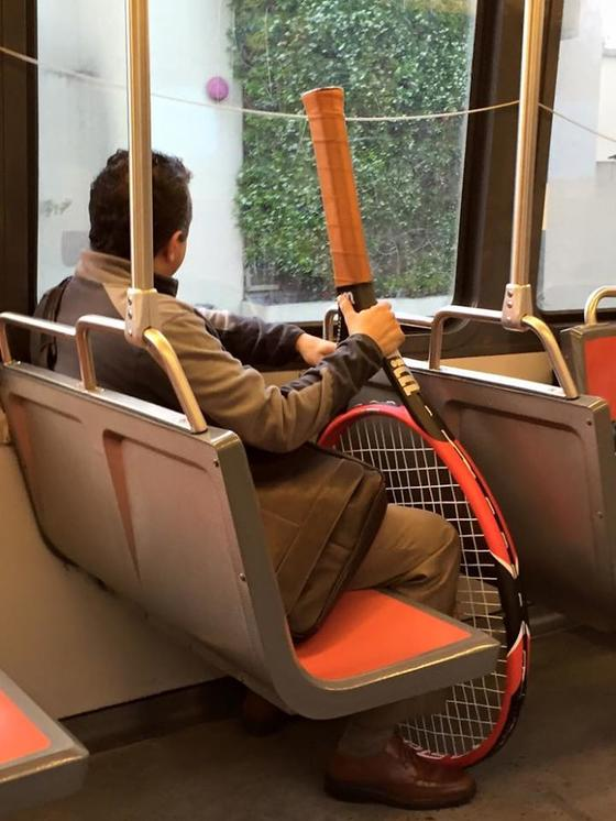 30 странных и забавных вещей, которые кто-то увидел в метро