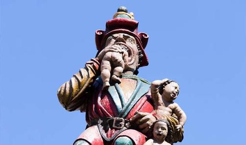 29 самых странных статуй в мире