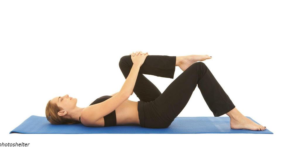 2 крутых упражнения на растяжку, которые помогут уменьшить боль в спине